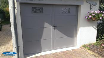 M menuiserie portes de garage battantes for Portes de garage battantes